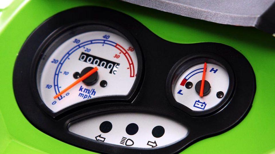 Skútr na elektrický pohon