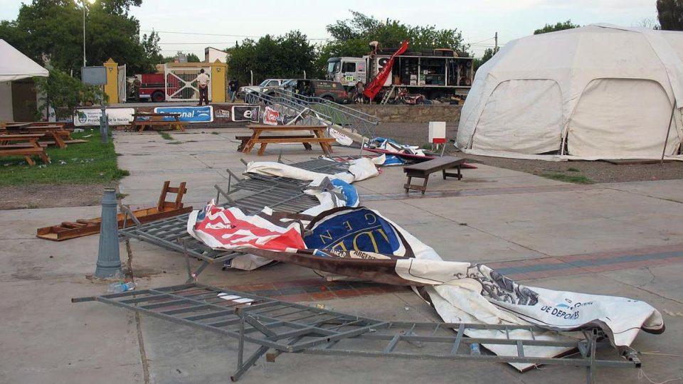 Následky noční větrné smršti v San Juanu