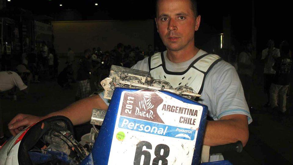 Jan Veselý po dojezdu rallye Dakar 2011