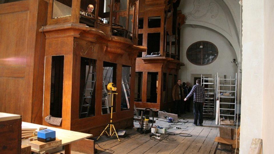 Rekonstrukce varhan v chrámu Nejsvětějšího Salvátora v Praze