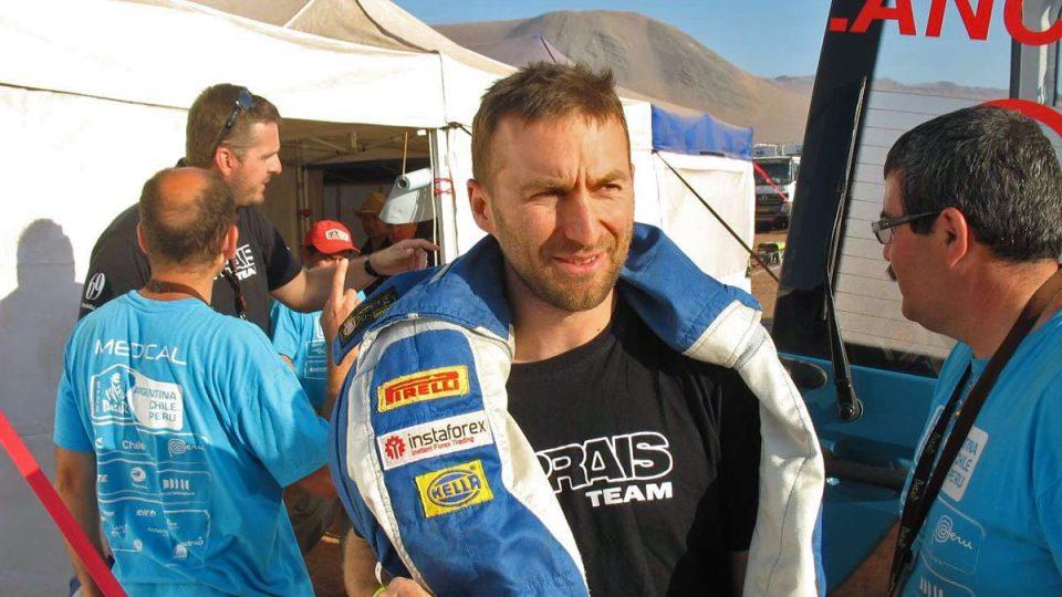 Navigátor Michal Ernst byl po ošetření lékaři rallye propuštěn