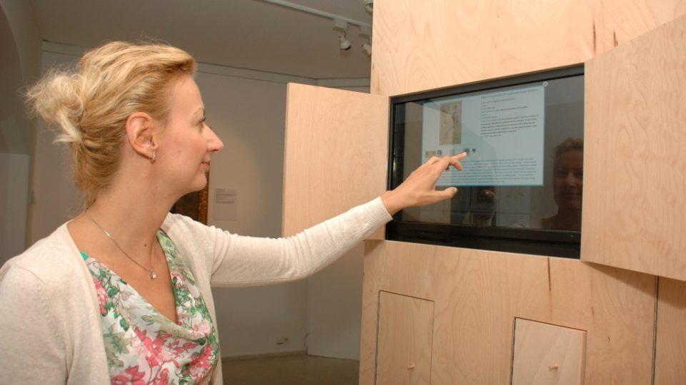 Výstava Příběh pokračuje má i zajímavou interaktivní část