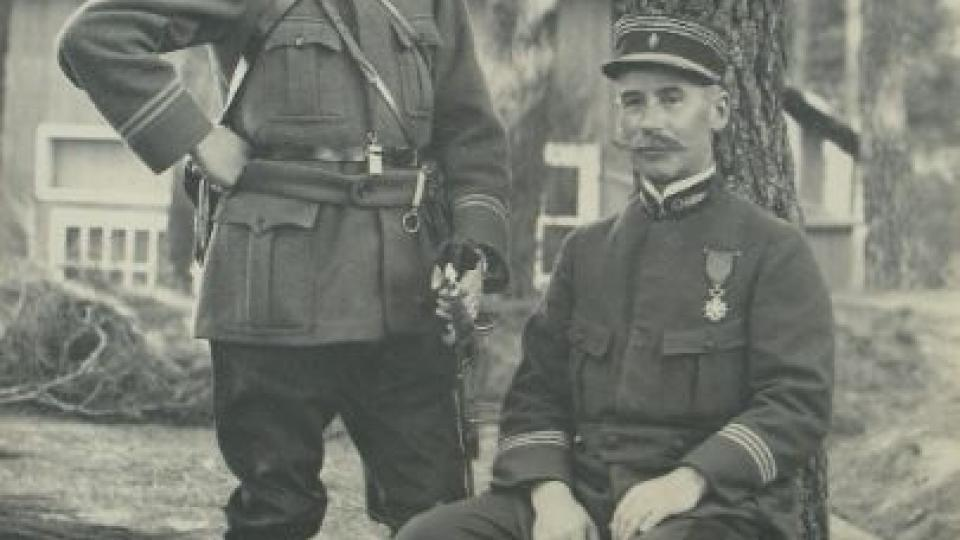 Velitel roty Nazdar kapitán a poručík Capoulot Salle, říjen 1914