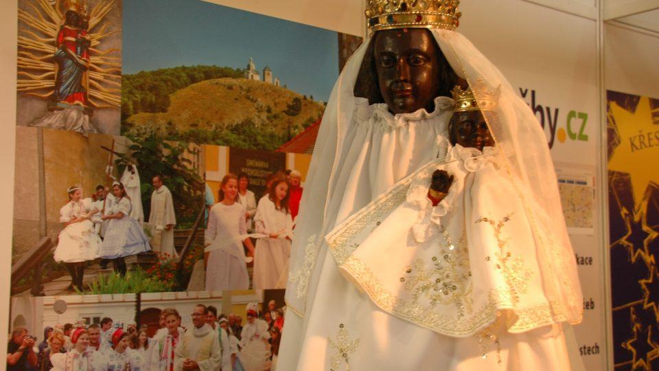 Milostna socha Madony z Mikulova ve stánku Církevní turistika na veletrhu Památky - Incheba v Praze