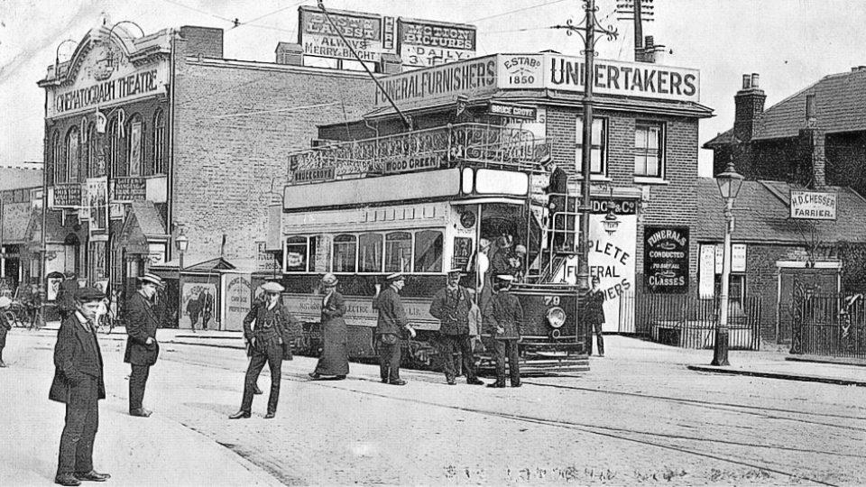 Kino na Lordship Lane v jihovýchodním Londýně (1913)