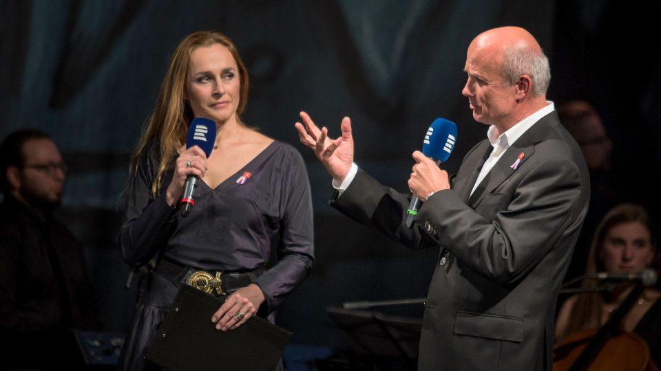 Lucie Výborná a Michal Horáček moderují Koncert pro hrdiny