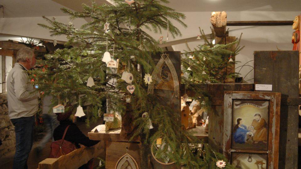 Ozdobené vánoční stromečky