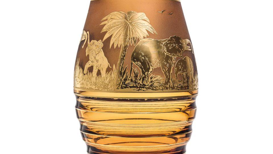 Animor 3361, ručně broušená váza s pískovanými a zlacenými motivy. Design: Rudof Wels, 1926
